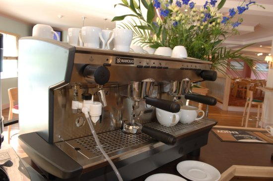 The Waterfront Inn Bar & Restaurant: Freshly made coffee to order