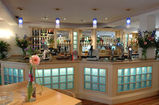 The Waterfront Inn Bar & Restaurant: The Bar