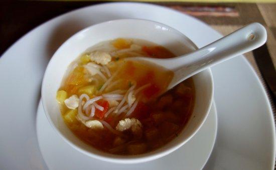 Mango Cruises: Sopa de fideos y pollo.