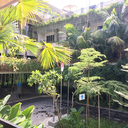 Sol House Bali Legian Photo