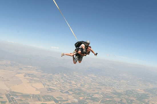 Wellington, Sydafrika: Skydiving over the Cape Winelands! Incredible views of Table Mountain!