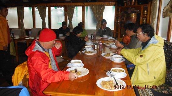 Mountain Experience: Lodge in Trekking