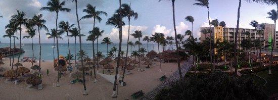Holiday Inn Resort Aruba - Beach Resort & Casino: View from balcony