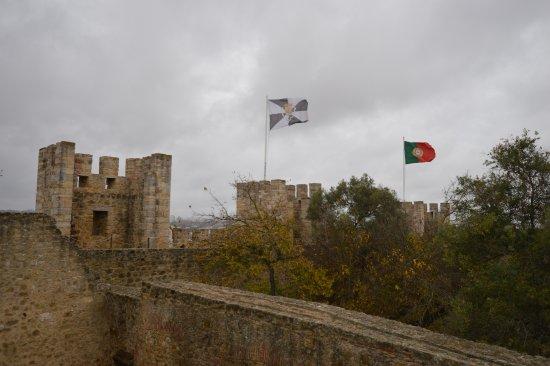 Castelo de S. Jorge: Bandiere al vento