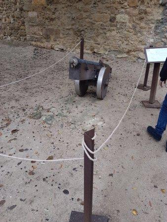 Castelo de S. Jorge: Un cannone dell' epoca