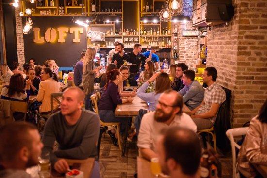 Loft Coffee & Food Bar (LOFT DOWNTOWN): Vibrating energy of a Thursday night