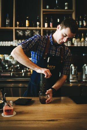 Loft Coffee & Food Bar (LOFT DOWNTOWN): Aeropress in the making