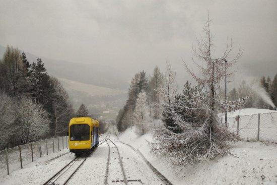 Kolej linowo-terenowa PKL Gora Zar: Zimowy wagonik