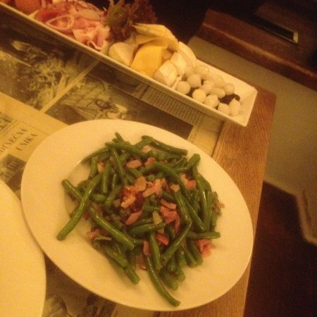 Restaurace U Schnellu: Фасоль с беконом