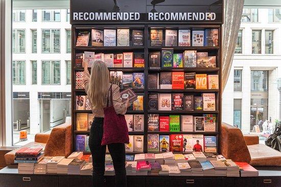 Dussmann das KulturKaufhaus: English Bookshop