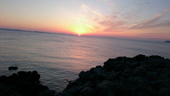 Kokuminshukusha Hadomisaki: 5分程歩いた場所での夕日