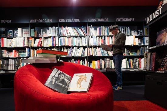 Dussmann das KulturKaufhaus: Kunstbücher