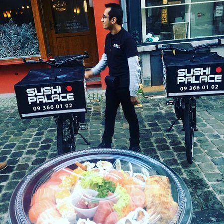 Sushi Palace Gent: DELIVERY TIME :)