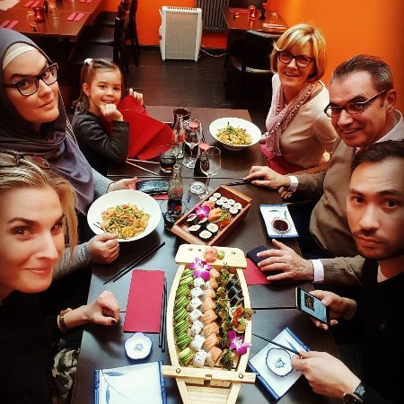 Sushi Palace Gent: Happy Meal :)