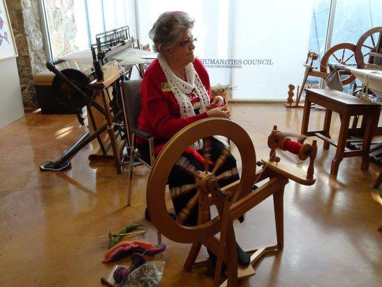 Pioneer Woman Museum: spinning wheel demonstration