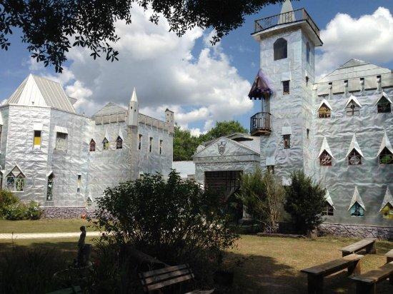 Ona, ฟลอริด้า: The Castle