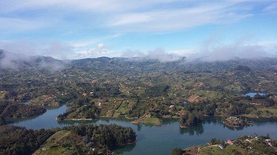 Penol, Colombia: Hermosa vista desde la cima del Peñol,