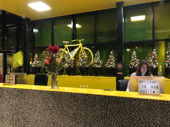 The Student Hotel Amsterdam City: Front desk