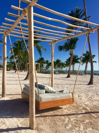 Secrets Cap Cana Resort & Spa: Relaxation on the beach!