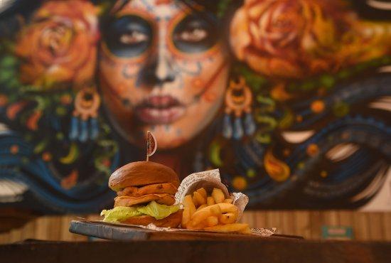 Perios: Chicken Double Double Burger