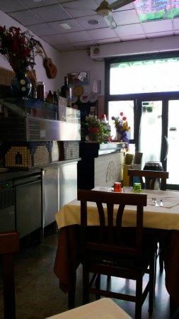 Trattoria Pizzeria Porta San Felice: interno trattoria