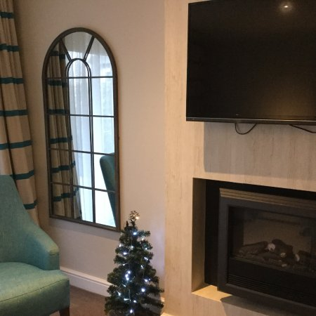 Warner Leisure Hotels Alvaston Hall Hotel: Each Suite had its own Christmas tree!