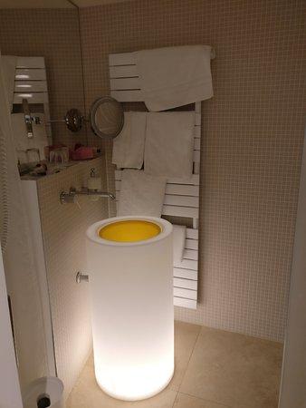 Hotel Gude: nettes Gimmik dieses Waschbecken