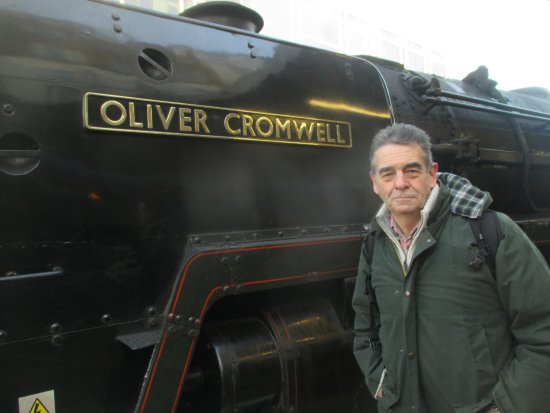 The Steam Dreams Rail Co.: Me and 'Oliver Cromwell' at Victoria Station