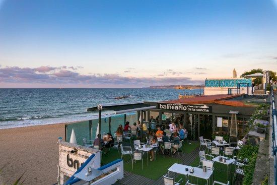 Balneario de la Concha: Ofrecemos desayunos, comidas y cenas, en el interior y en nuestra terraza