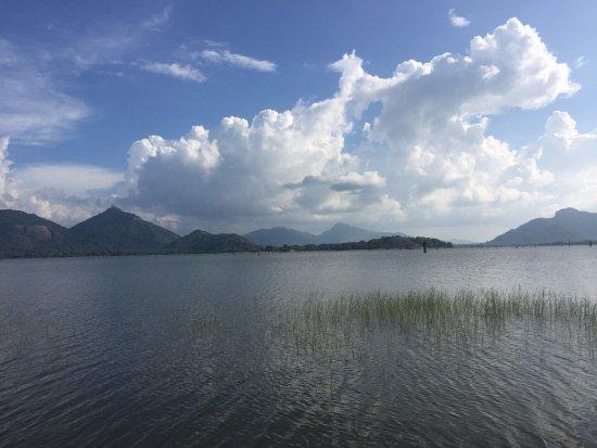 Amaya Lake: lake view