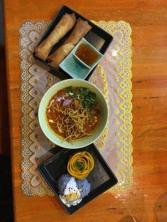 Zabb E Lee Thai cooking school: Dinner