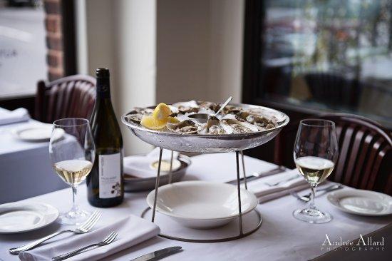 Restaurant Lemeac: Les huîtres Shan Daph, une petite production artisanale de la Nouvelle-Écosse, sont une exclusiv