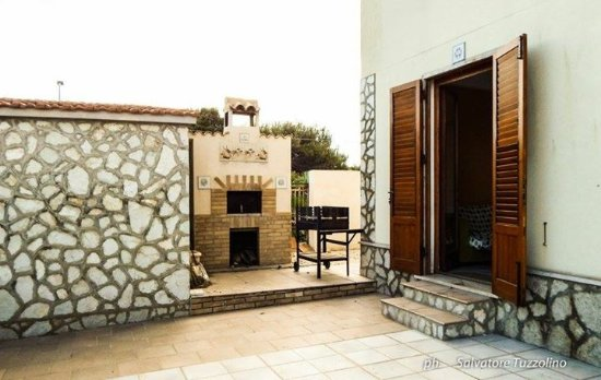 B&B La Muciara: Forno e barbecue