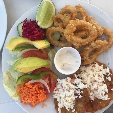 Sharks Beach Bar El Yaque: Calamares fritos