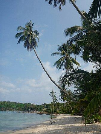 Siam Hut Koh Kood Resort: Пляж Банг Бао.