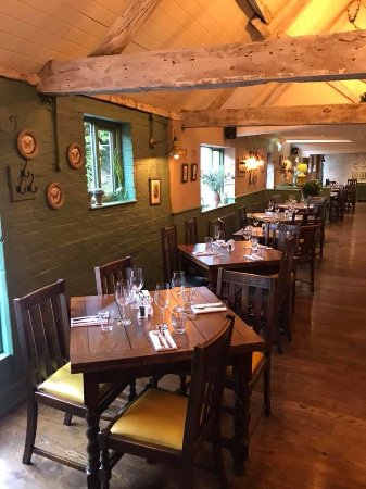 The Black Horse Thame: Dining room - Barn