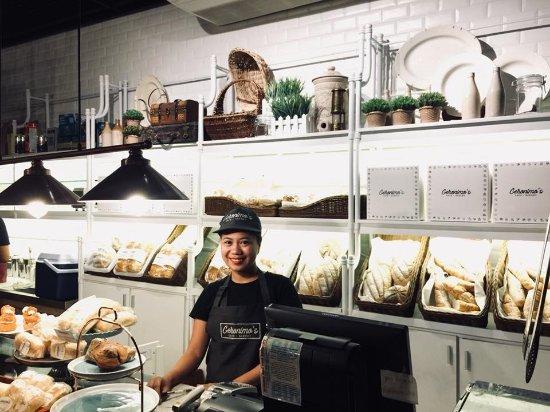 Geronimo's Cafe & Bakery: Friendly Staffs!