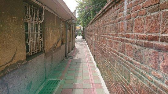 Tainan Gonghuitang : 南側の壁沿い