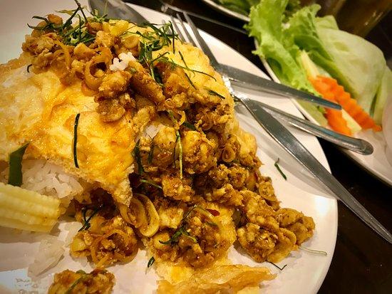 Kopitiam by Wilai: Super scharfes Chicken und ich esse viel scharf! (3 Chilis)