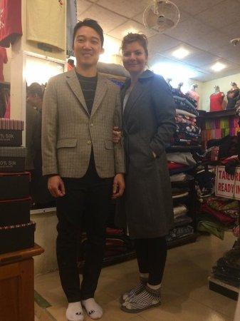 Gia Huy Silk Tailor Shop: Look beautiful.