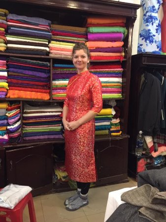 Gia Huy Silk Tailor Shop: Chinese dress for baby girl.