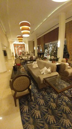 Alexander The Great Beach Hotel: The lobby. Almost christmas