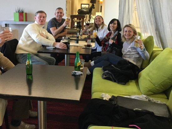 Hampton by Hilton Liverpool/John Lennon Airport: Bar and breakfast area