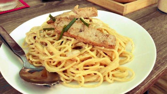 DD Fusion Food & Homestay: (italian food 17) - Spaghetti with fresh Tuna