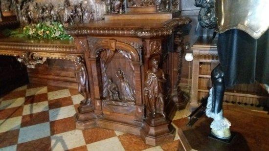 Warwick Castle: Interesting carving