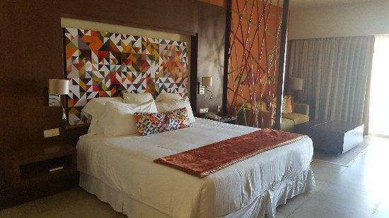 Breathless Punta Cana Resort & Spa: So much fun!!!