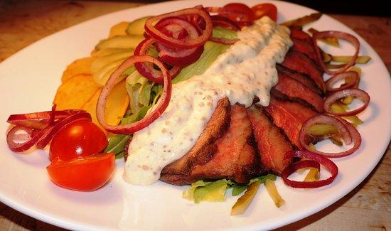 Cafe GrilVil: Салат с ростбифом