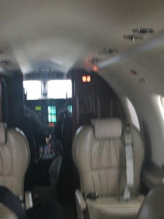 File:BOUTIQUE AIR PC-12 INTERIOR COCKPIT.jpg