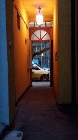 Villa Rosiche: il portoncino da cui si entra