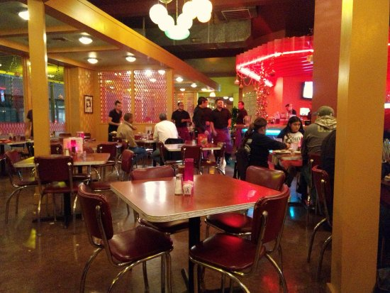 Rosario's Mexican Cafe Y Cantina: Dinner on a Monday night